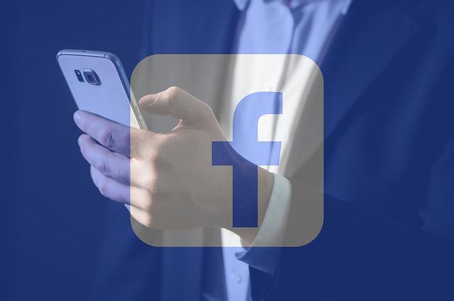 https://www.theemployerhandbook.com/files/2018/02/maxpixel.freegreatpicture.com-Facebook-Mobile-Texting-Smartphone-Facebook-Lite-3021068.jpg