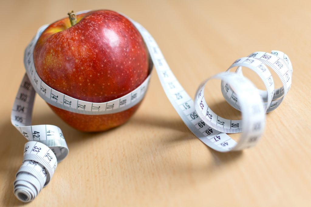 apple-and-measuring-tape-1024x683