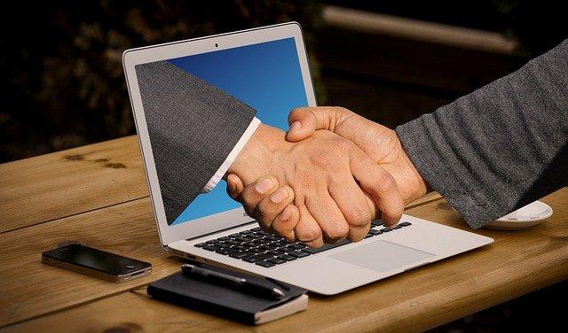handshake-3382504_640